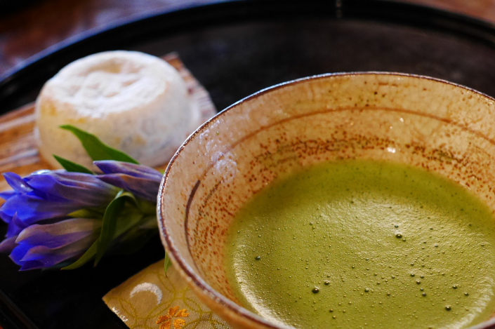 Il verde brillante del tè giapponese